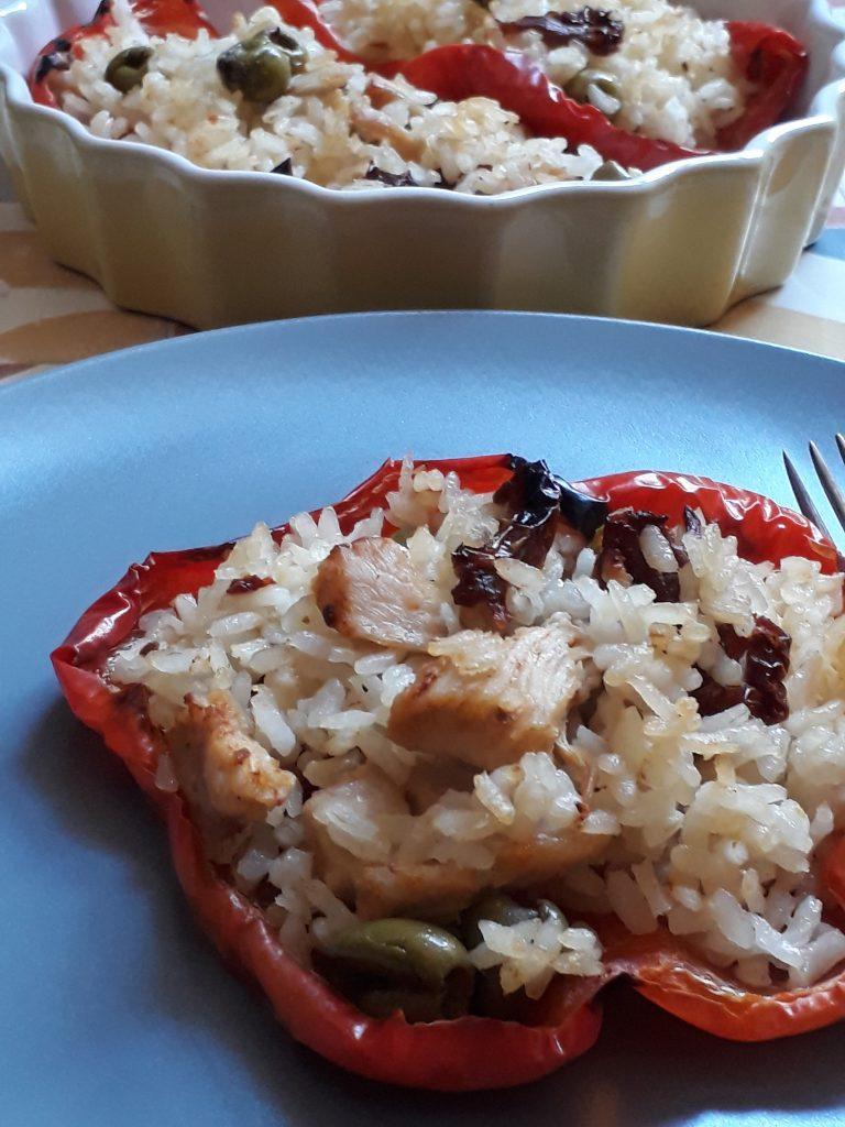 peperoni ripieni con riso e pollo