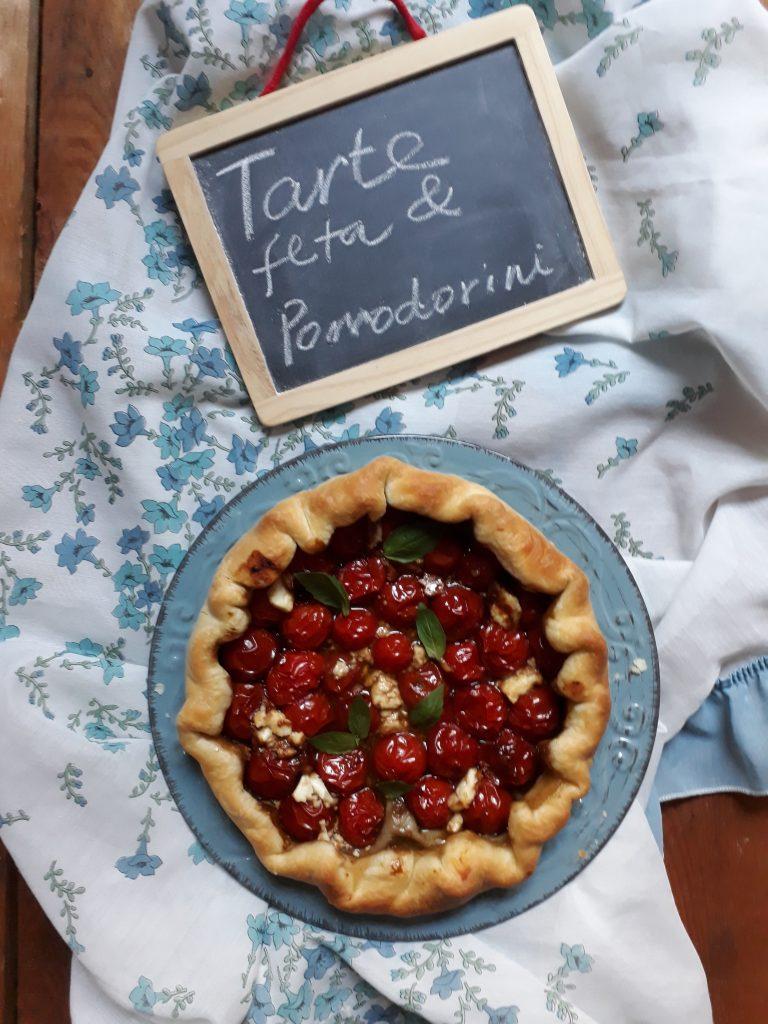 torta con feta e pomodorini