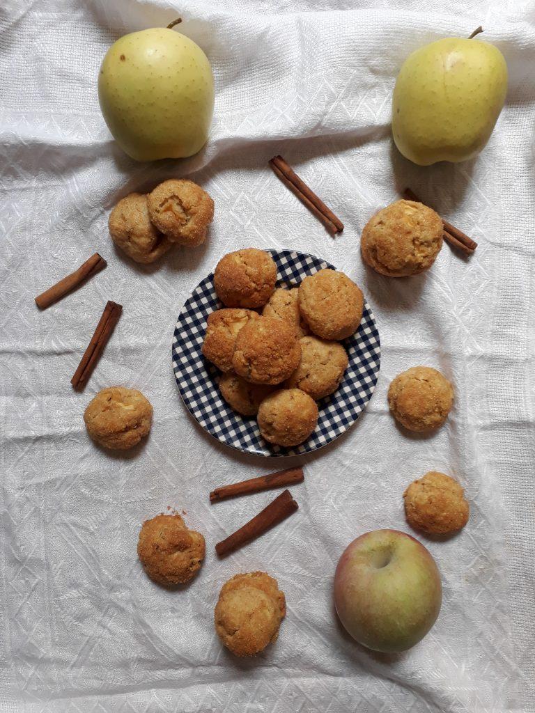 cookies alle nocciole mele e cannella