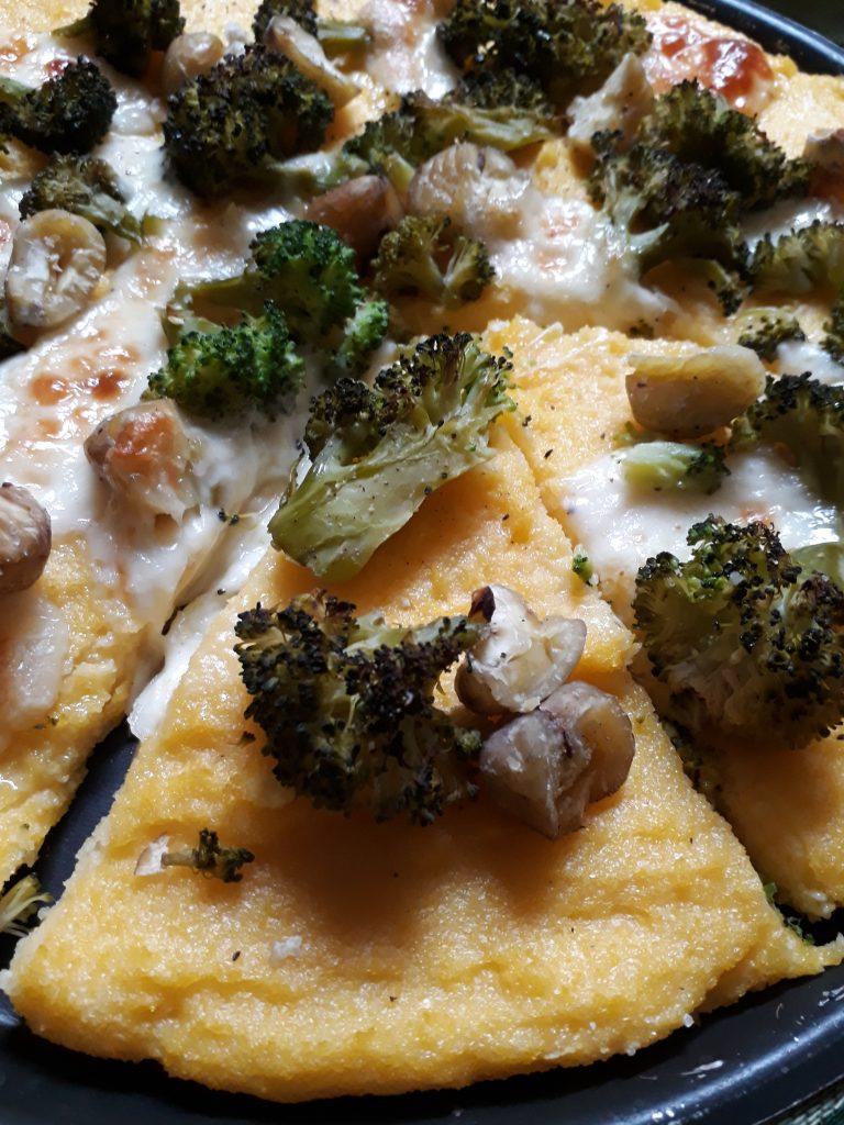 pizza di polenta con castagne e broccoli