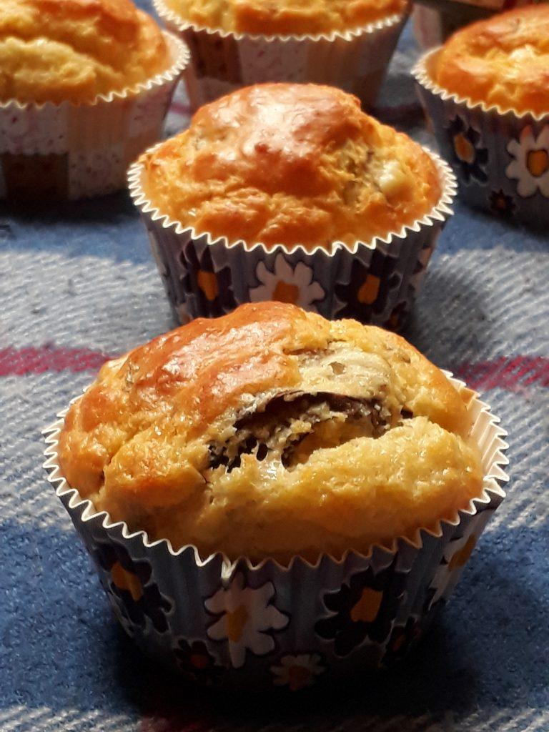 muffin con pecorino noci e radicchio tardivo