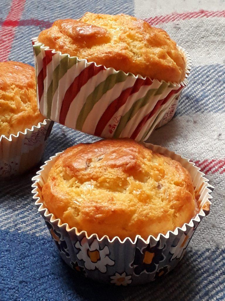 muffin con noci radicchio tardivo e pecorino