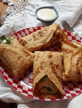 crepes di patate dolci con pollo e songino
