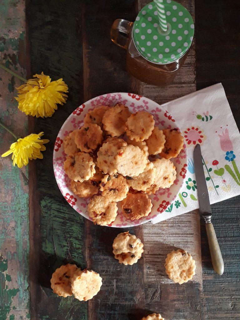 biscotti ai pomodori secchi e olive
