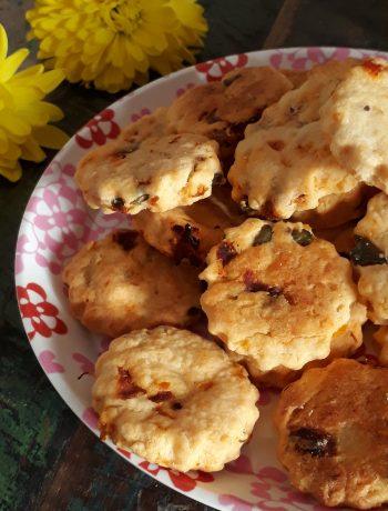 biscotti con pomodori secchi e olive