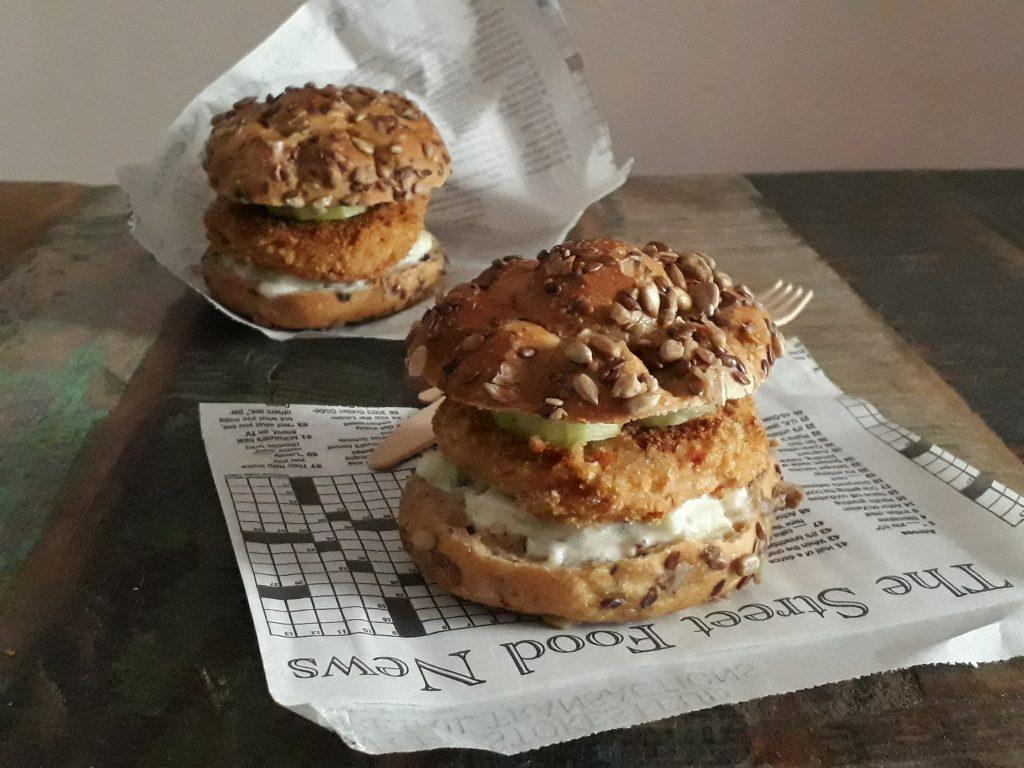 burger ai cannelli con pomodori secchi e salsa al cetriolo