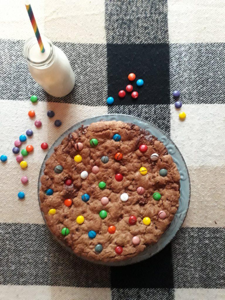 torta alle smarties e crema al cioccolato