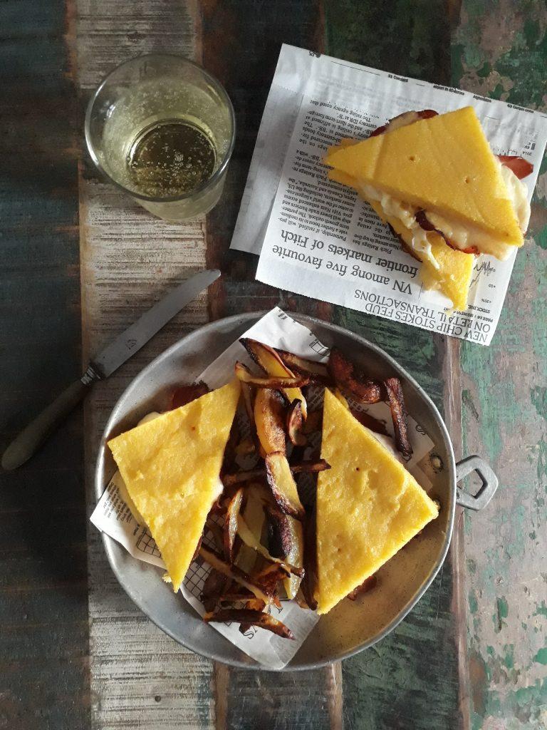 sandwich con polenta