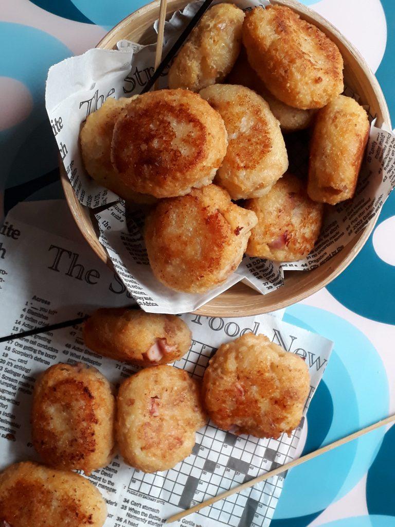 polpette di pane con parmigiano e prosciutto