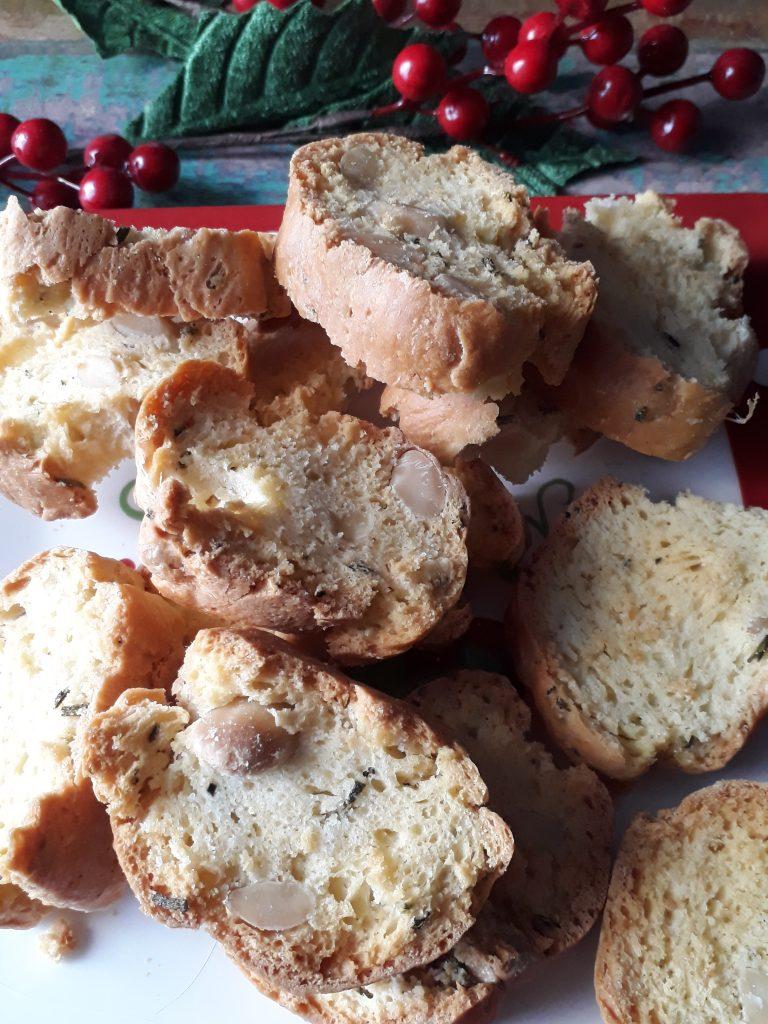 biscotti al rosmarino e mandorle