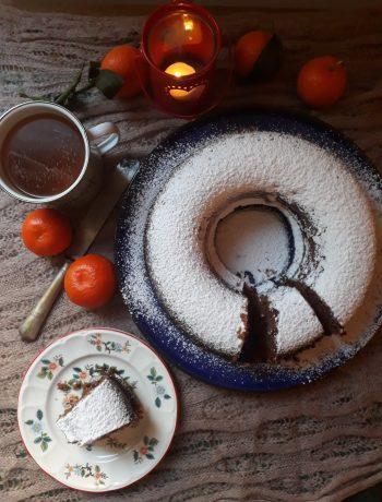 ciambella con crema alle nocciole e cioccolato