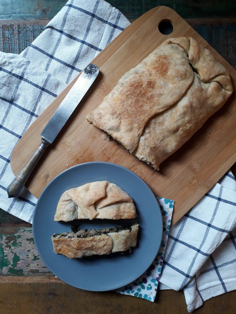 strudel di cavolo nero con salsiccia