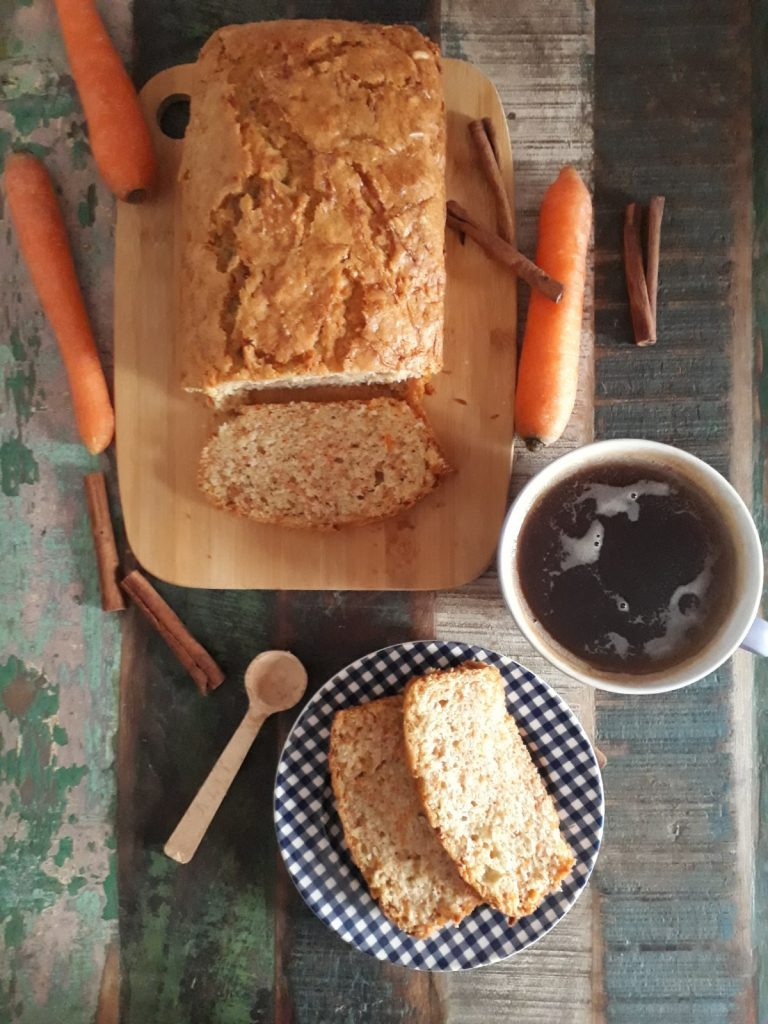 plumcake con carote e pinoli