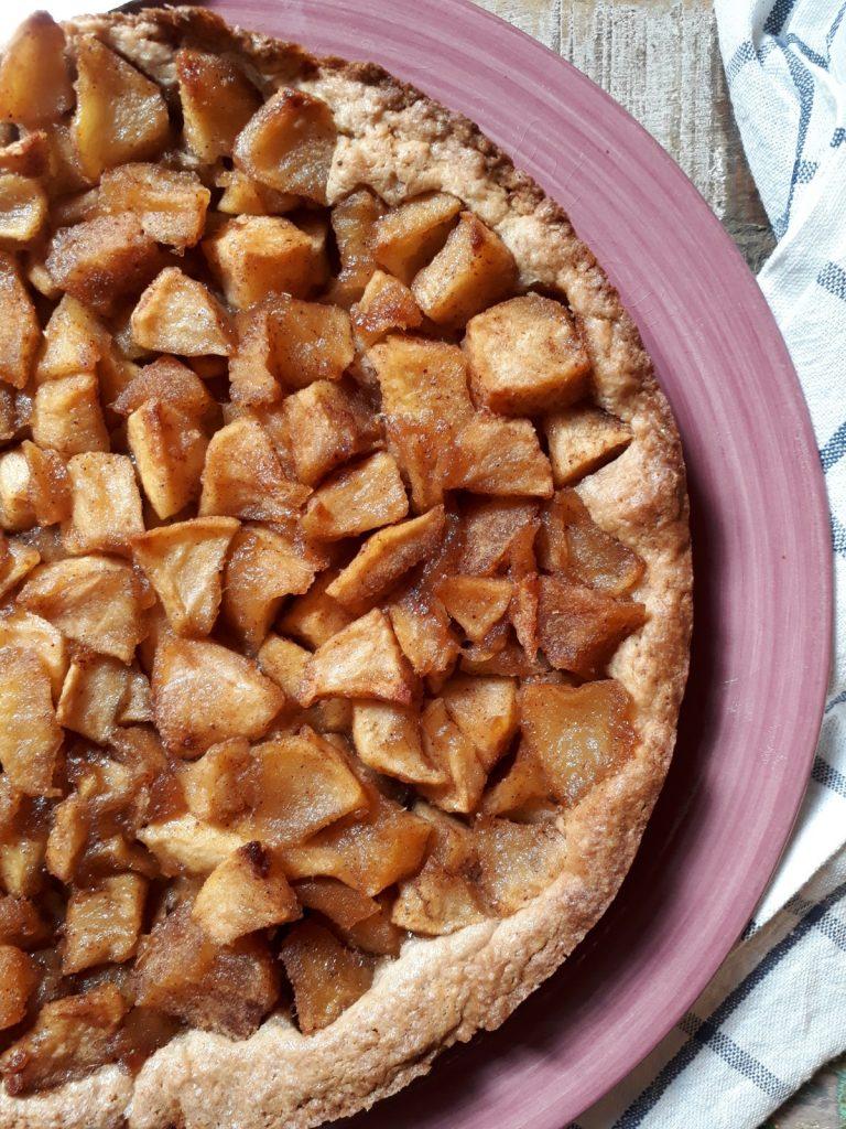 crostata agli amaretti e mele speziate