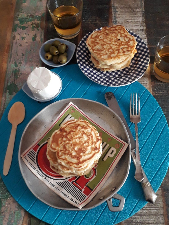 pancake ai cipollotti con pomodori secchi
