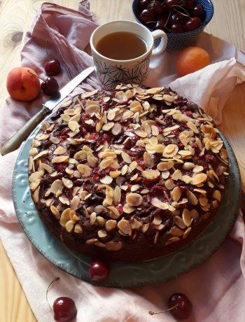 torta al cioccolato ciliegie e mandorle