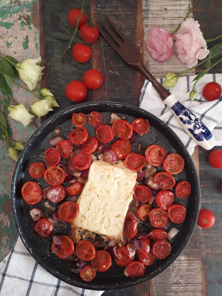 feta con pomodorini cipollotti al forno
