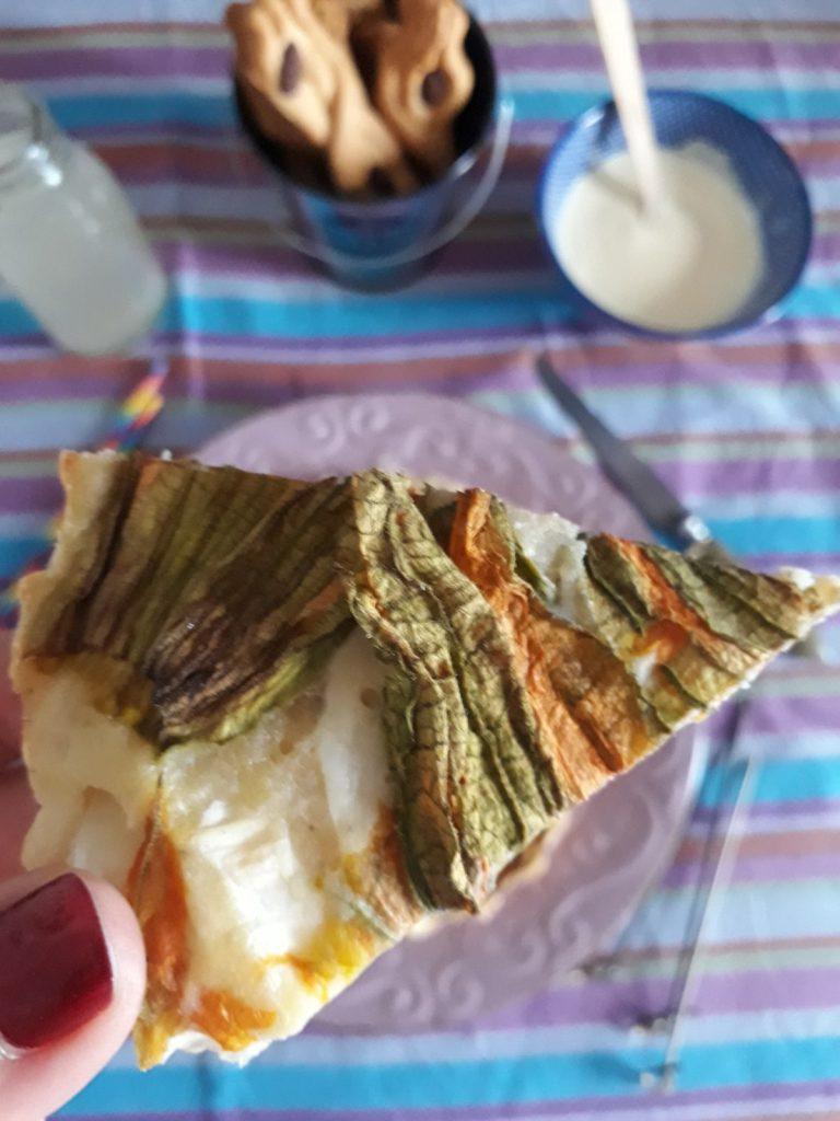tortino di mozzarella acciughe cipollotti e fiori di zucca