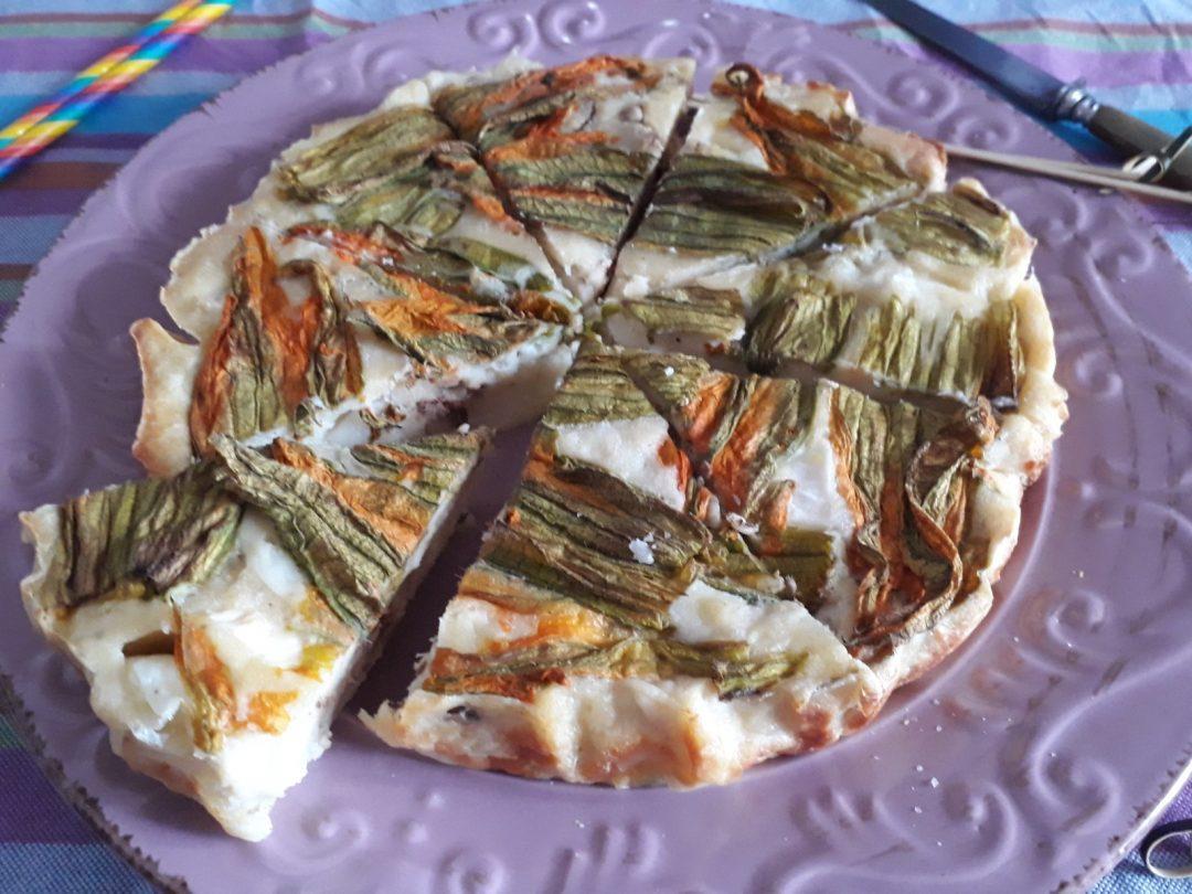 tortino di cipollotti fiori di zucca mozzarella acciughe