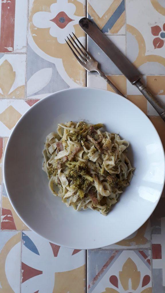 tagliatelle ai broccoli con pancetta