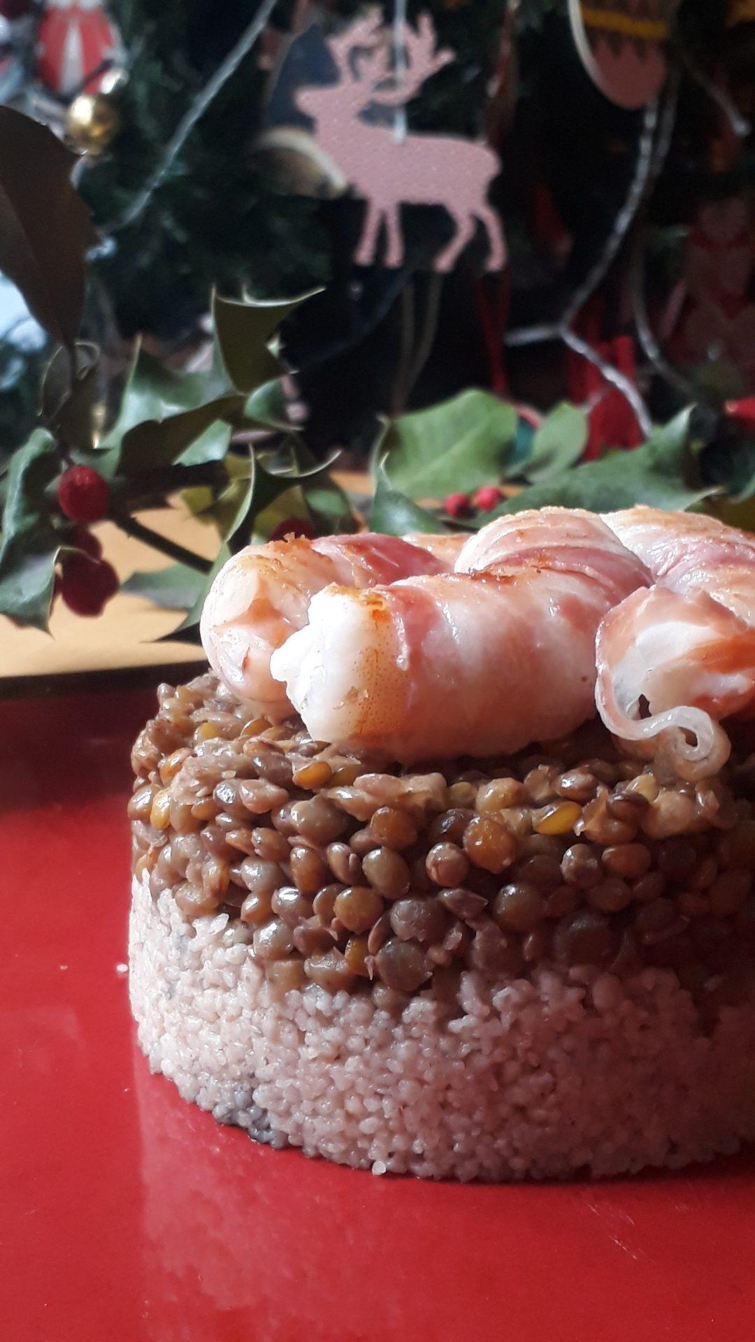 cous cous con lenticchie e gamberi pancettati